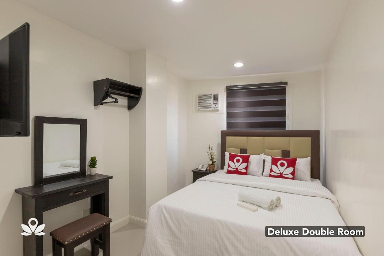 ZEN Rooms Triangle Hotel Manila