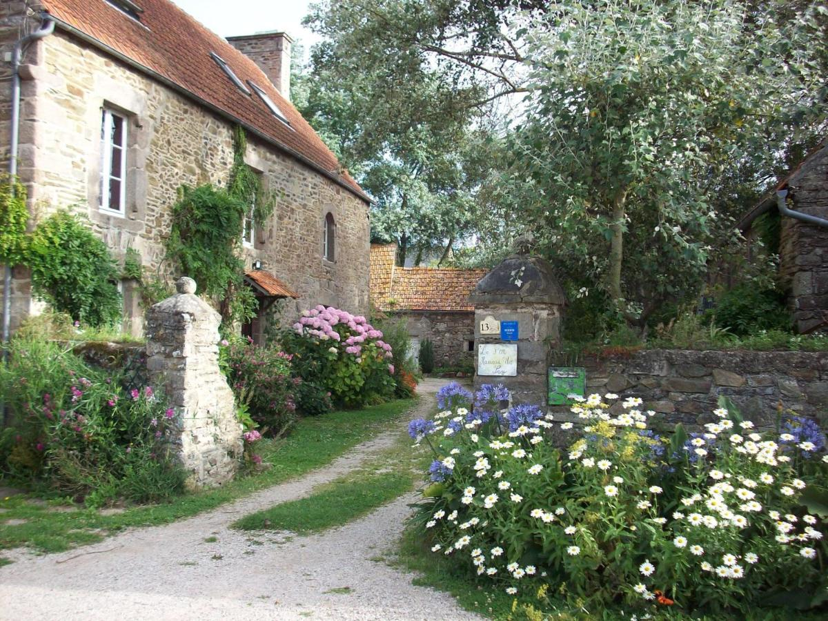 Guest Houses In Réville Lower Normandy
