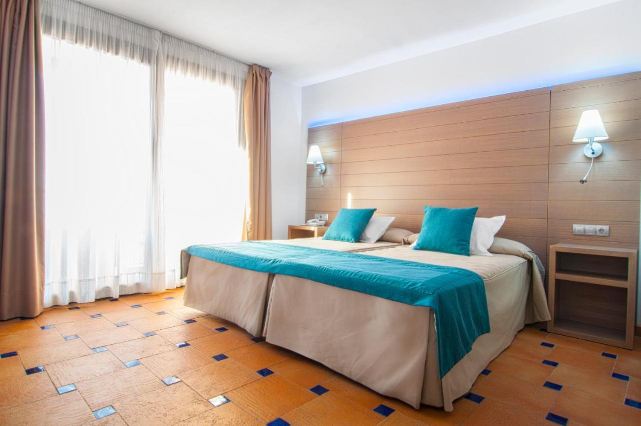 Hotels In Hinojares Andalucía