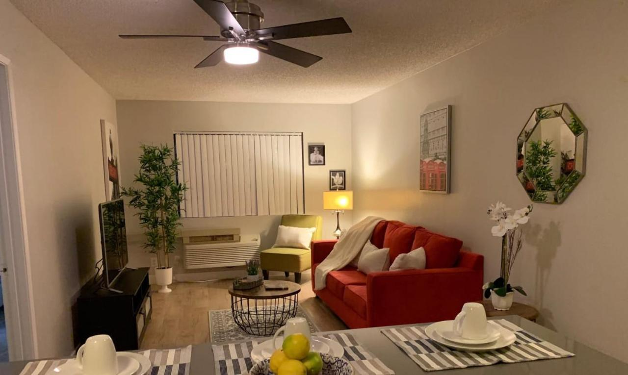 Astonishing Publicado Hollywood Vip One Bedroom Apartment Preview Interior Design Ideas Inamawefileorg