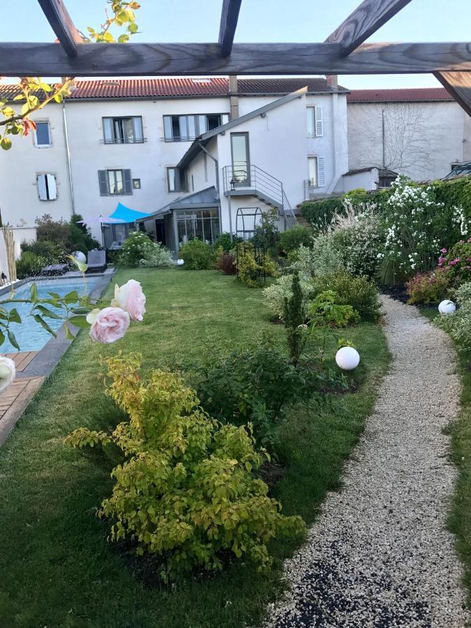 Guest Houses In Ville-sur-jarnioux Rhône-alps