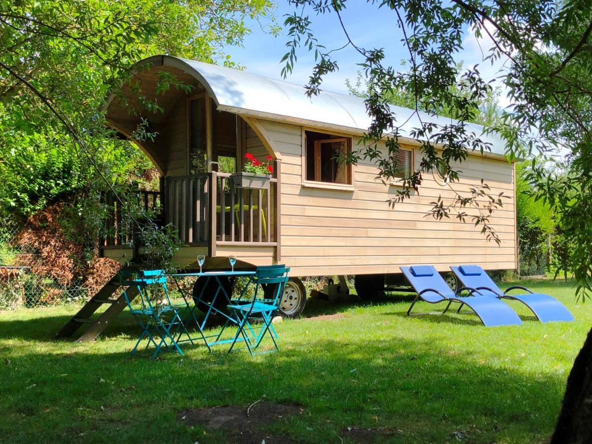 Guest Houses In Villeneuve-sur-auvers Ile De France