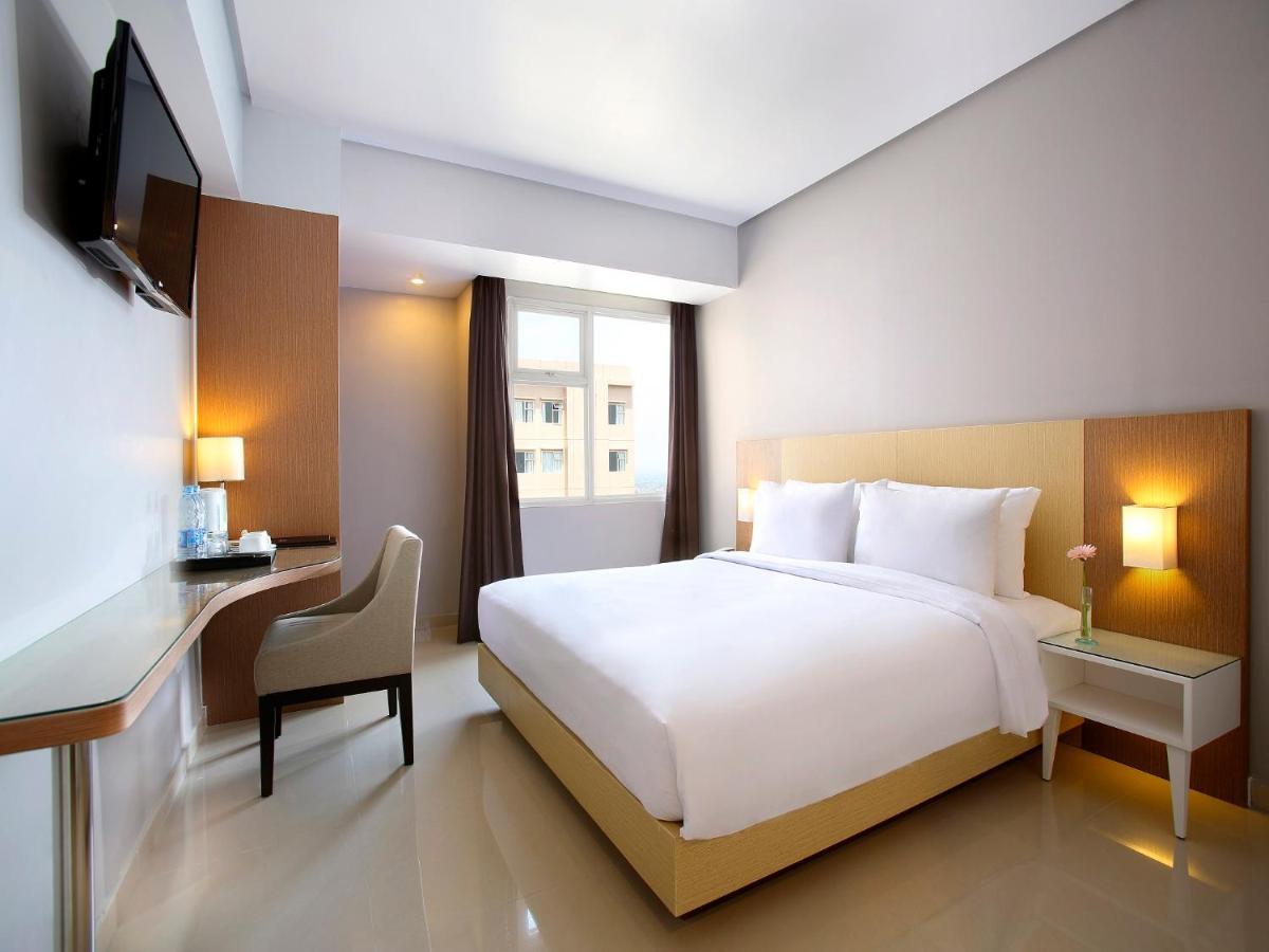 Hotel Santika Depok, Indonesia - Booking com