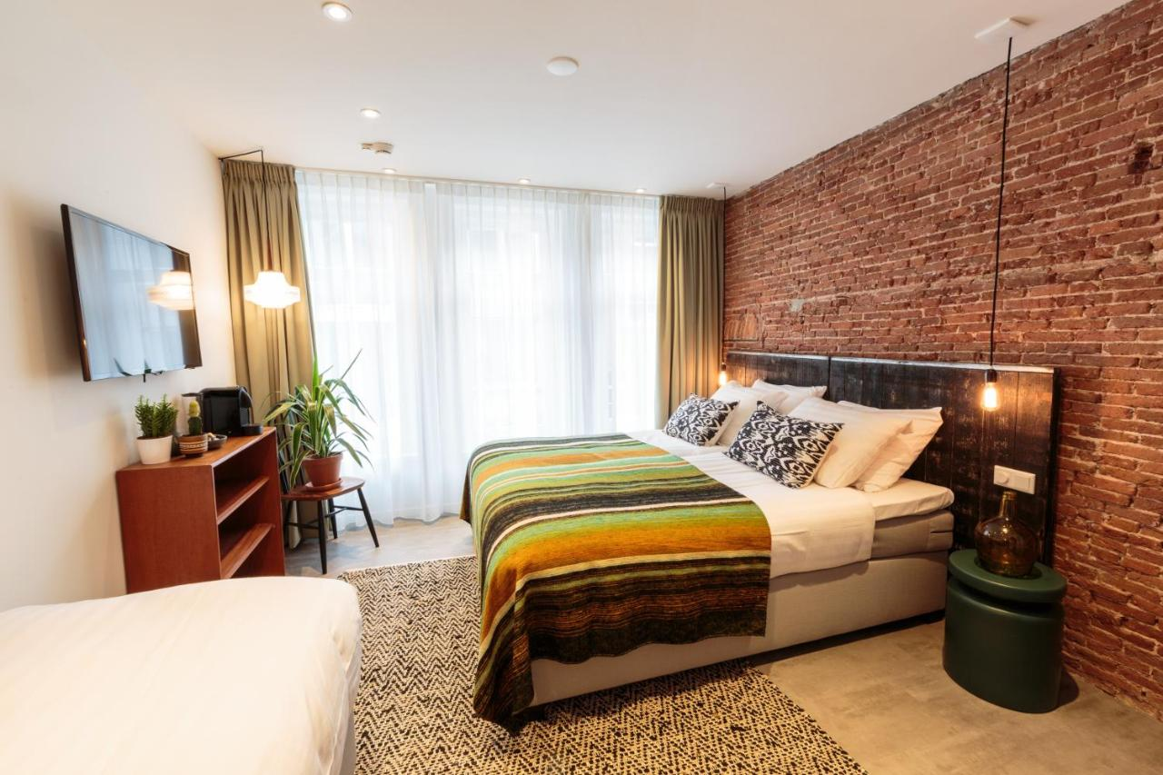 Hotel Dwars Amsterdam : Hotel dwars amsterdam netherlands booking