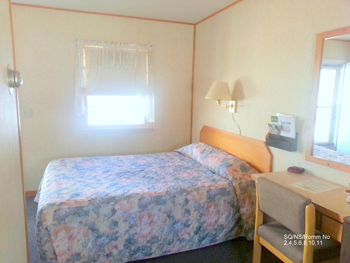 Budget Host Inn   Long Prairie (Motel) (USA) Deals
