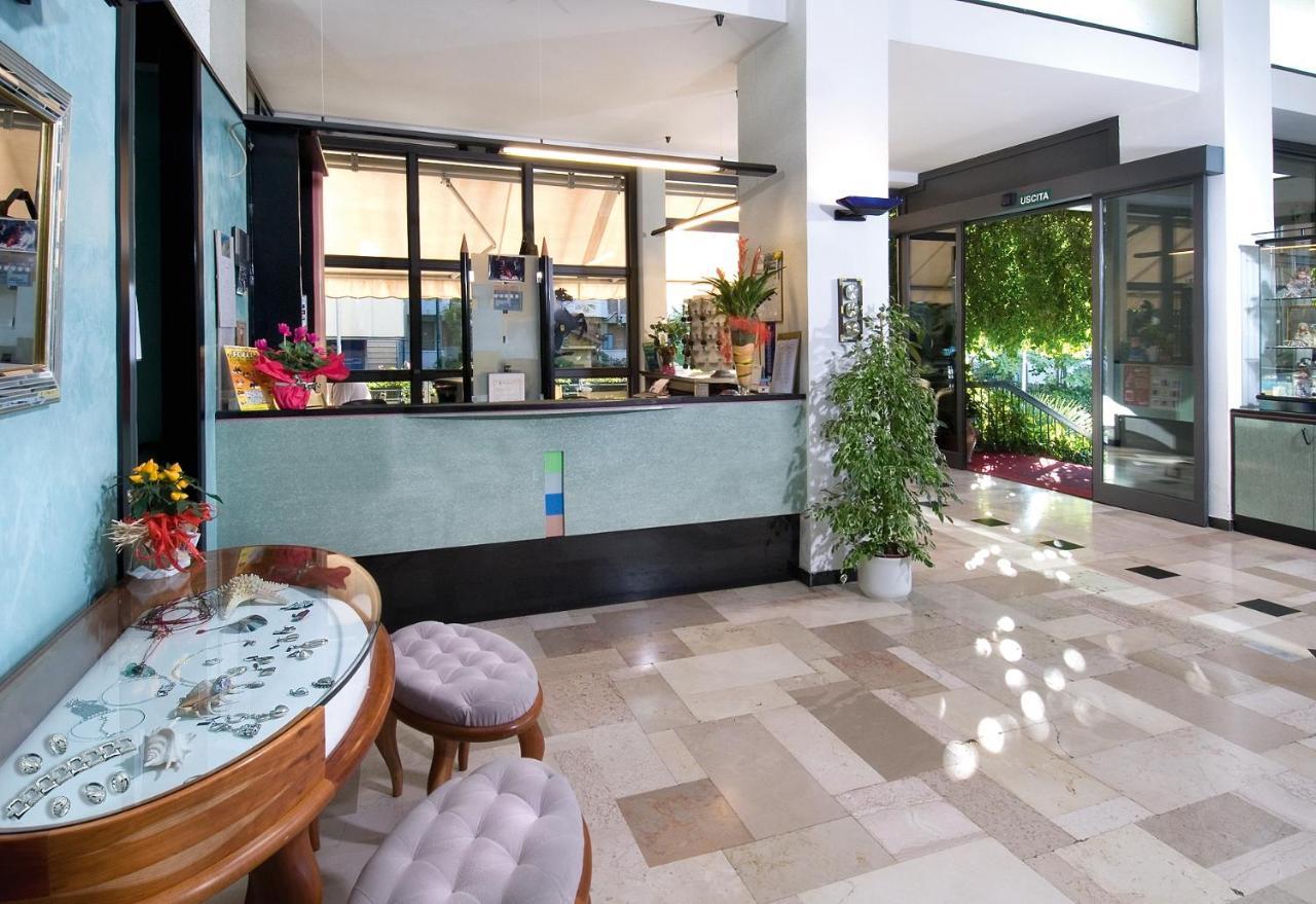 Private hotel Acropolis, Divnomorskoe: description, reviews