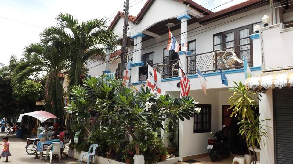 Hotels In Ban Laem Chan Phuket Province