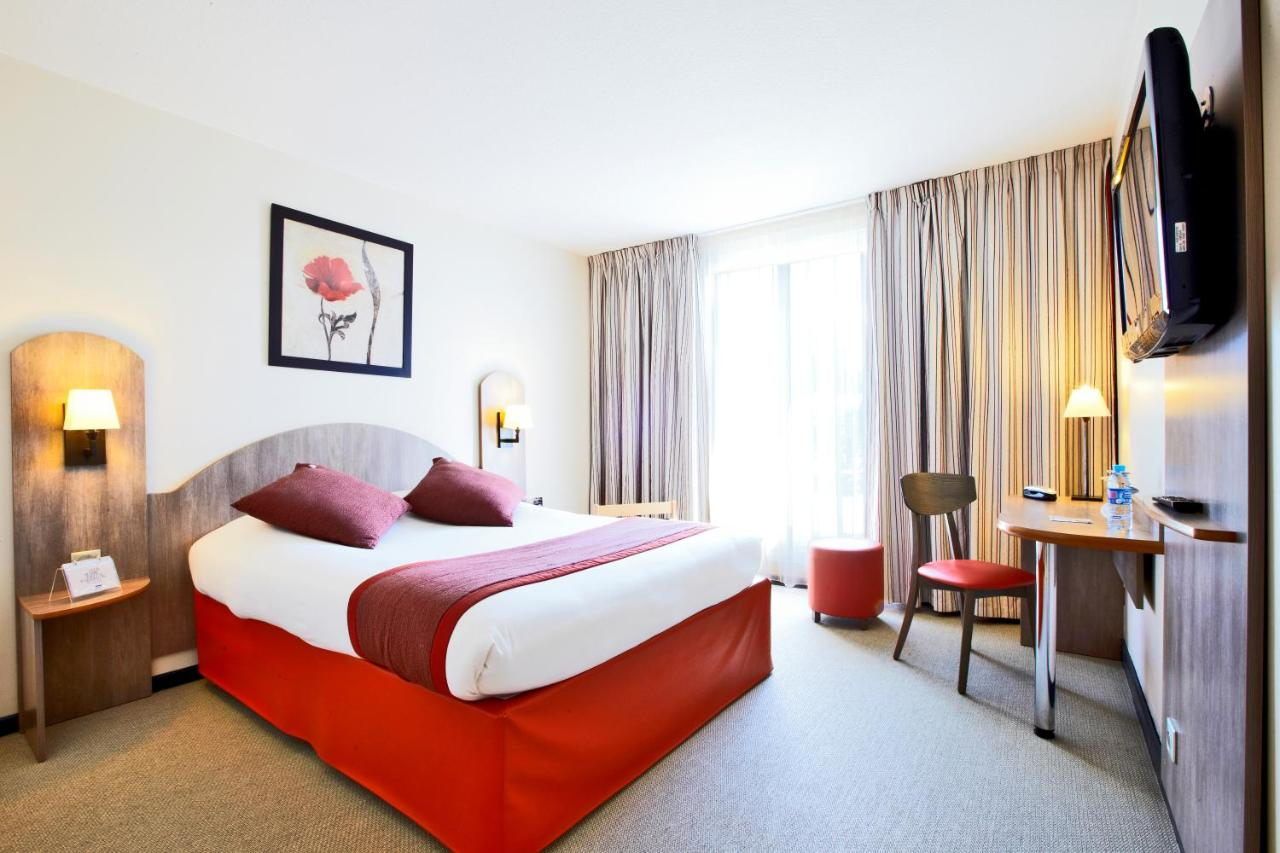 Hotels In Pierrefonds Picardy