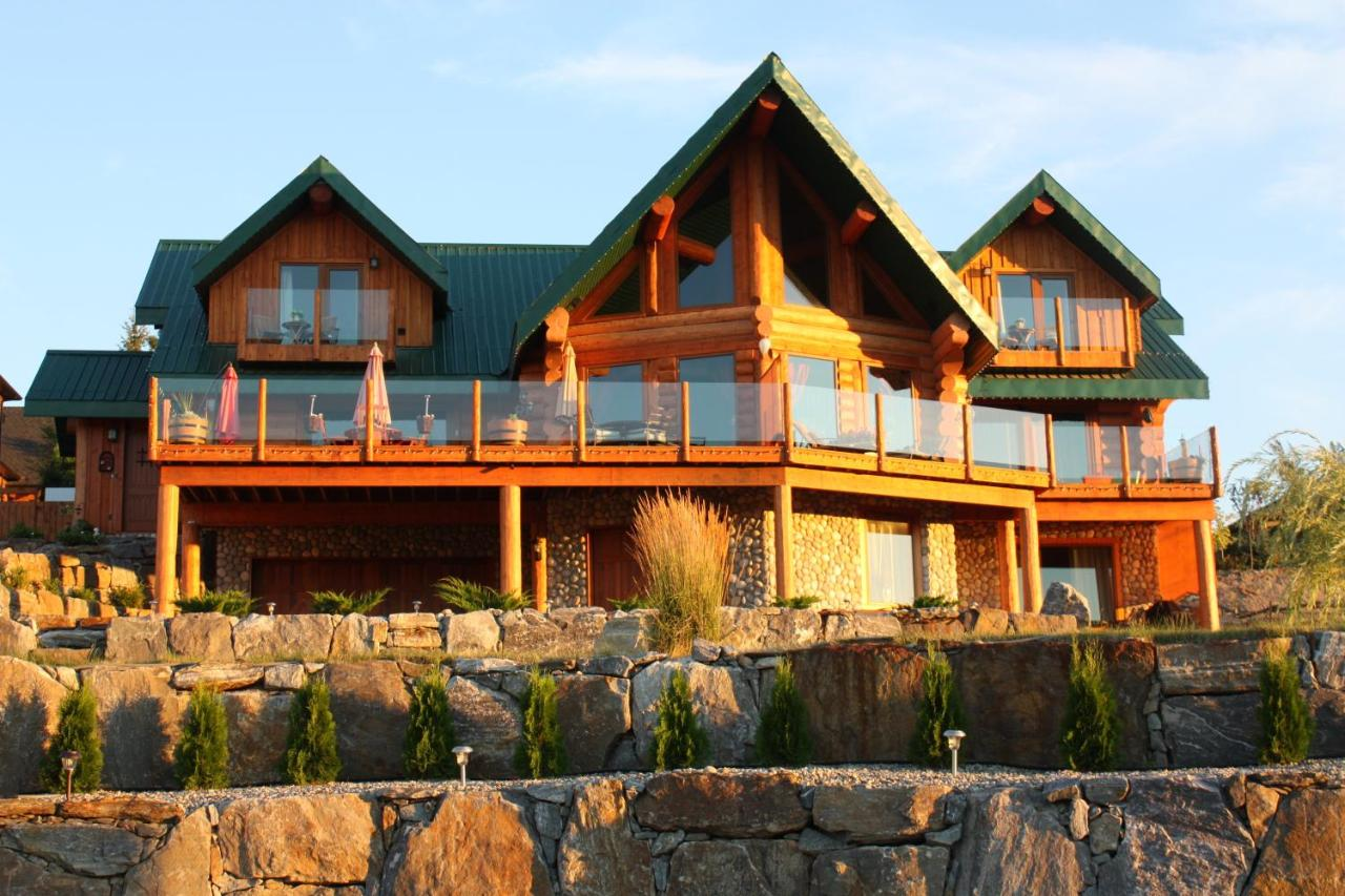 Hotels In Peachland British Columbia