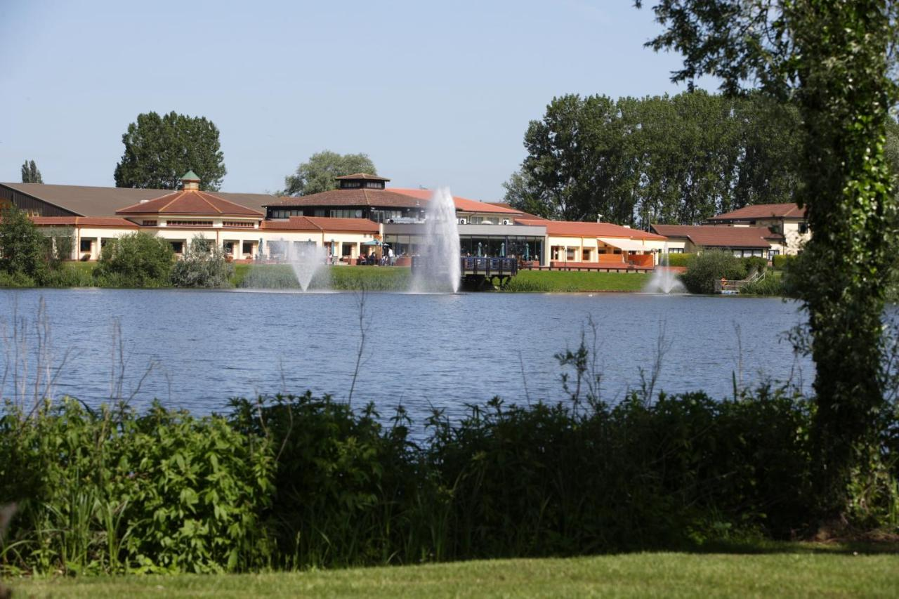 The Waterfront Hotel Spa & Golf, Saint Neots, UK - Booking.com