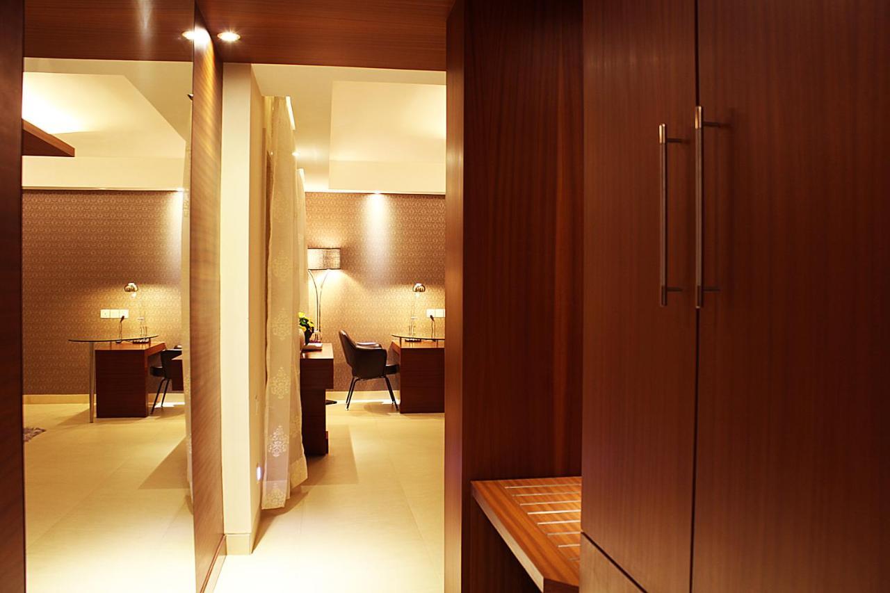 Hotel Celesta - Kolkata, India - Booking.com