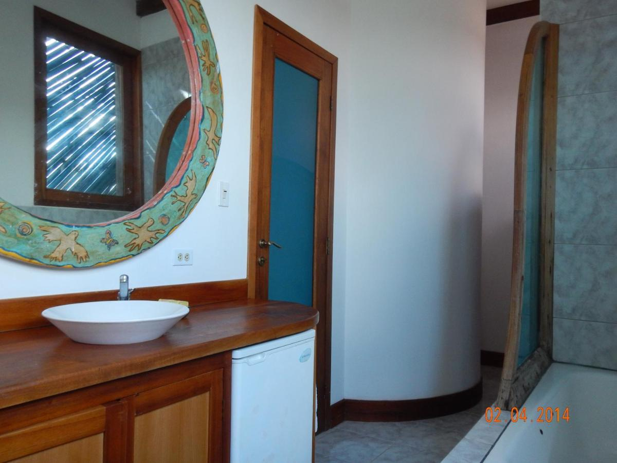 Vacation Home Bay House, Puerto Ayora, Ecuador - Booking.com