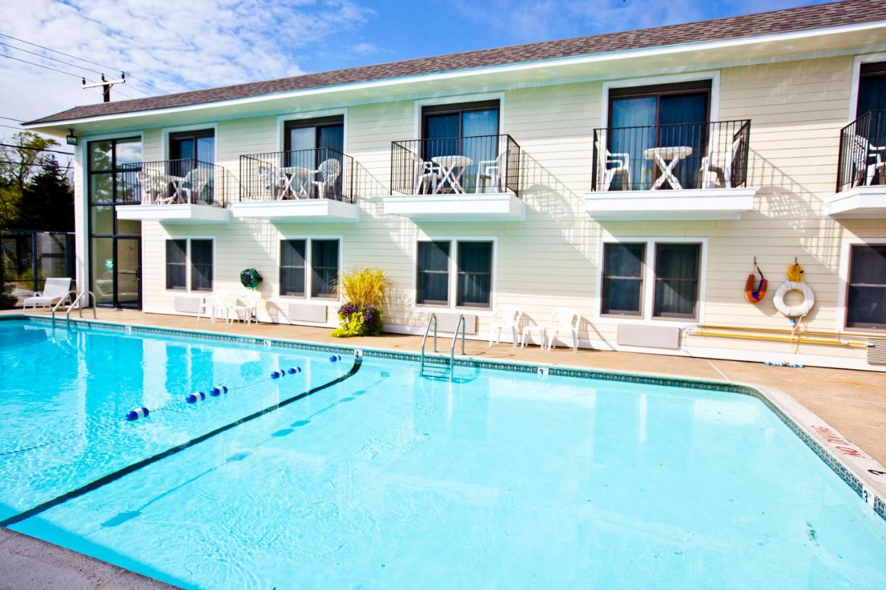 Holly Tree Resort, a VRI resort, West Yarmouth – Updated 2018 Prices