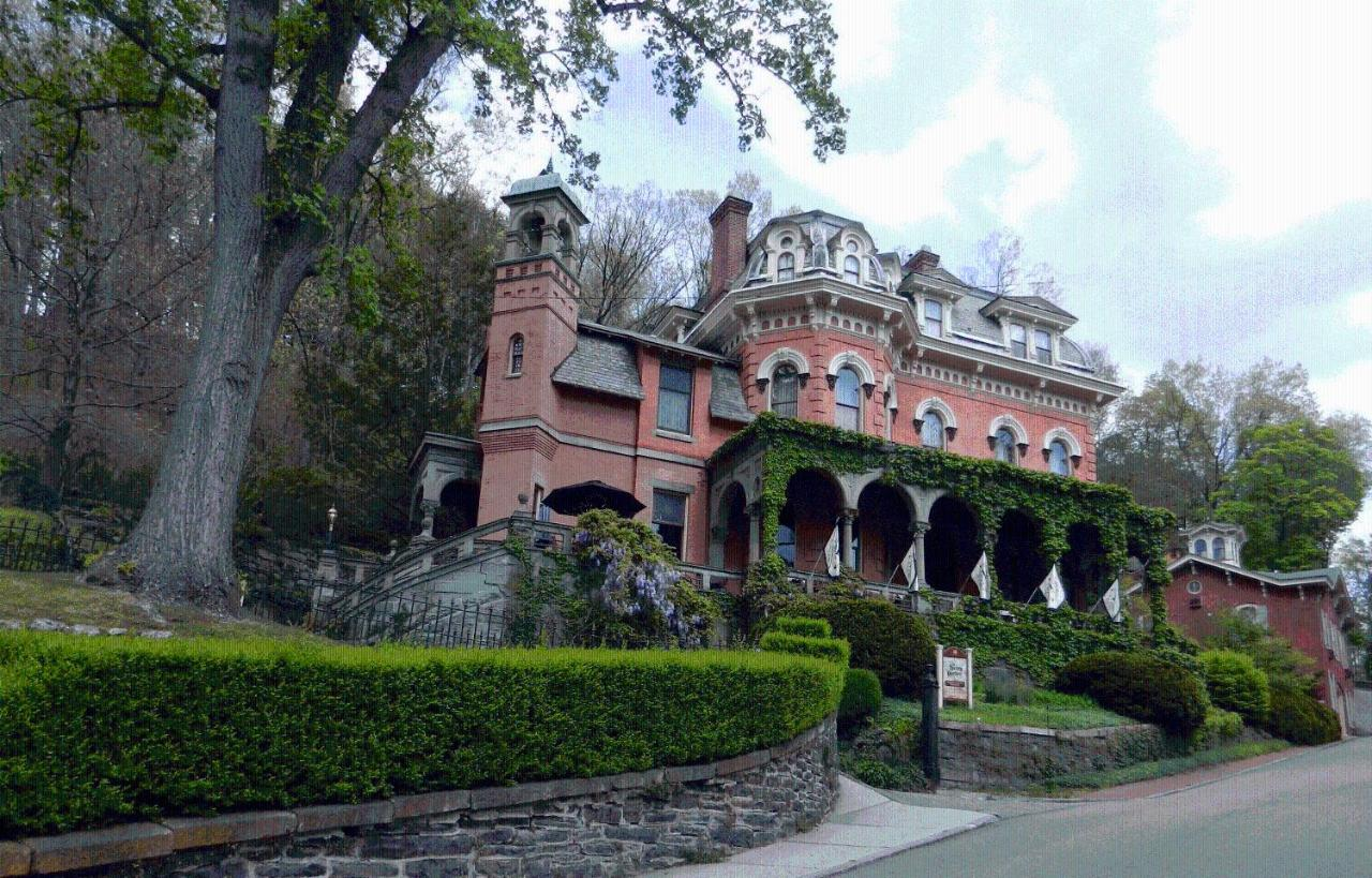 Hotels In Hudsondale Pennsylvania