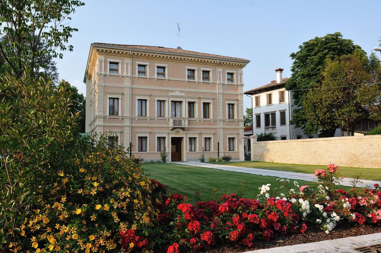 Villa maternini italien vazzola booking