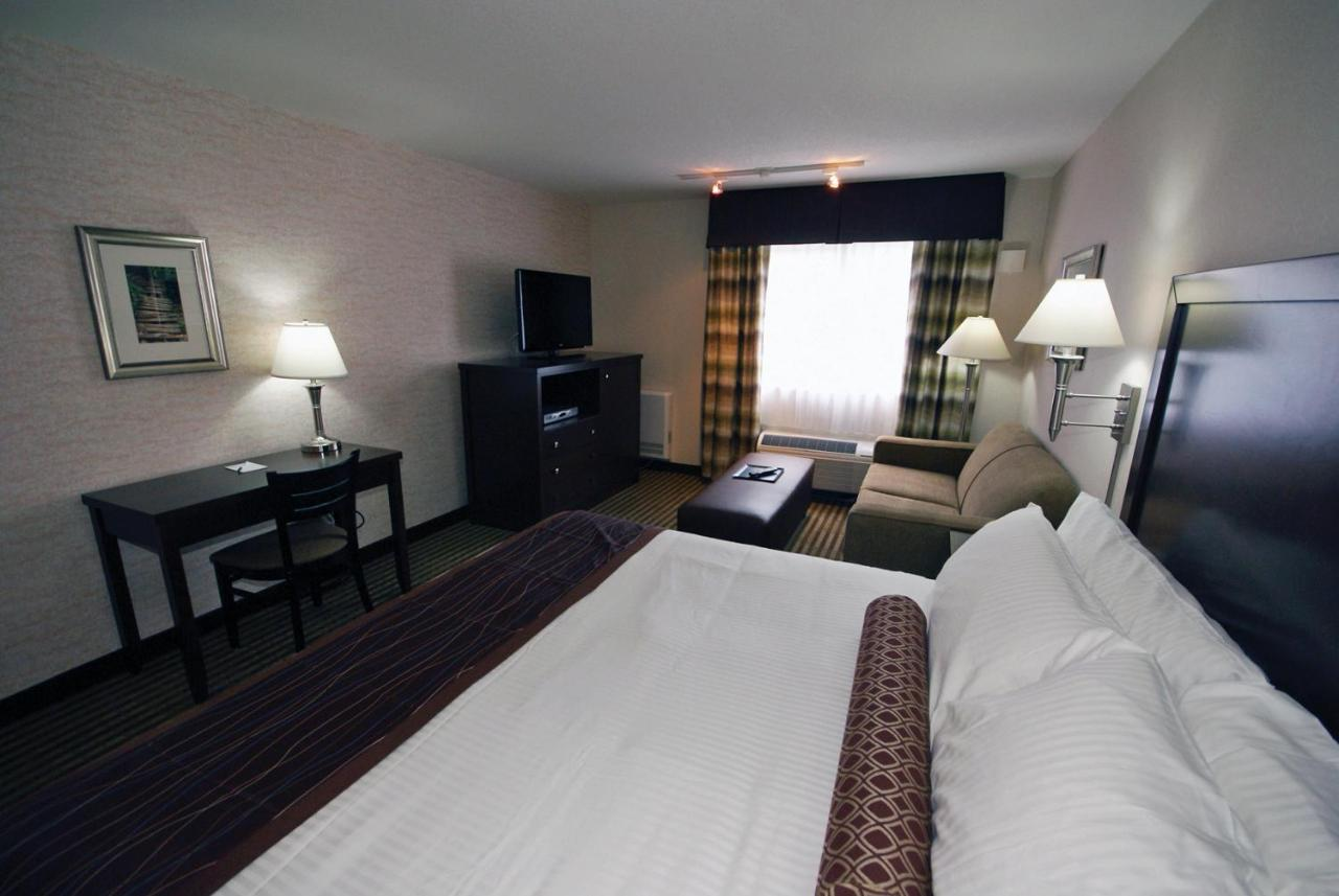 Hotels In Brew Bay British Columbia