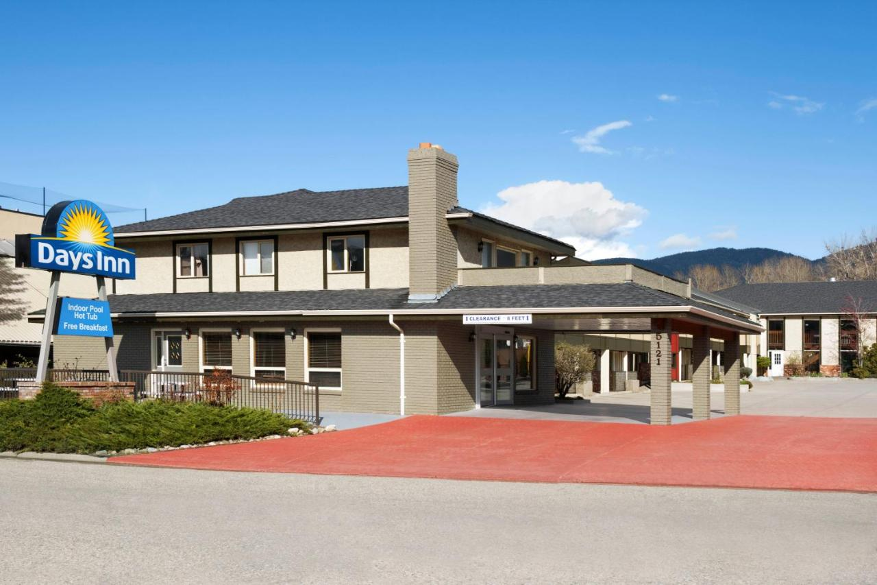 Hotels In Okanagan Landing British Columbia