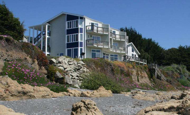 Hotels In Shelter Cove California