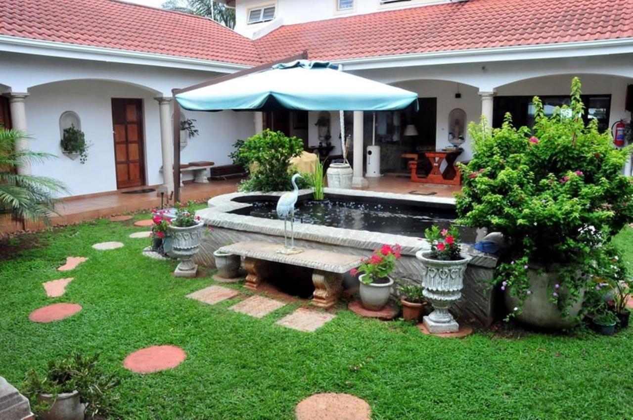 Centre Court B&B, Durban, South Africa - Booking.com