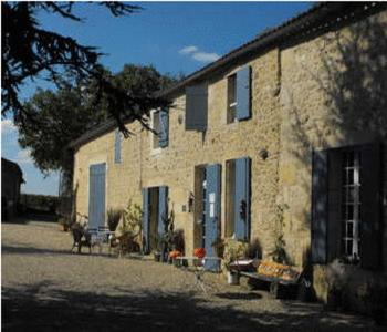 Bed And Breakfasts In Saint-caprais-de-bordeaux Aquitaine