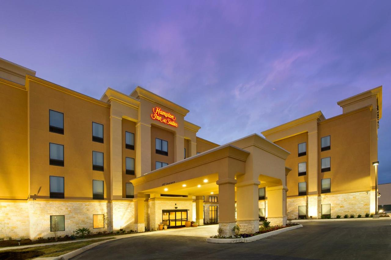 Hotels In Live Oak Texas