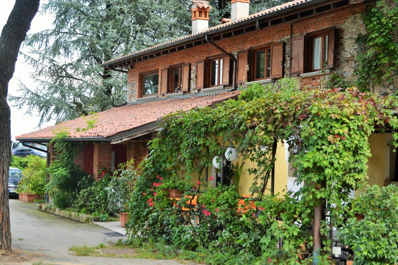 Guest Houses In Angera Lombardy