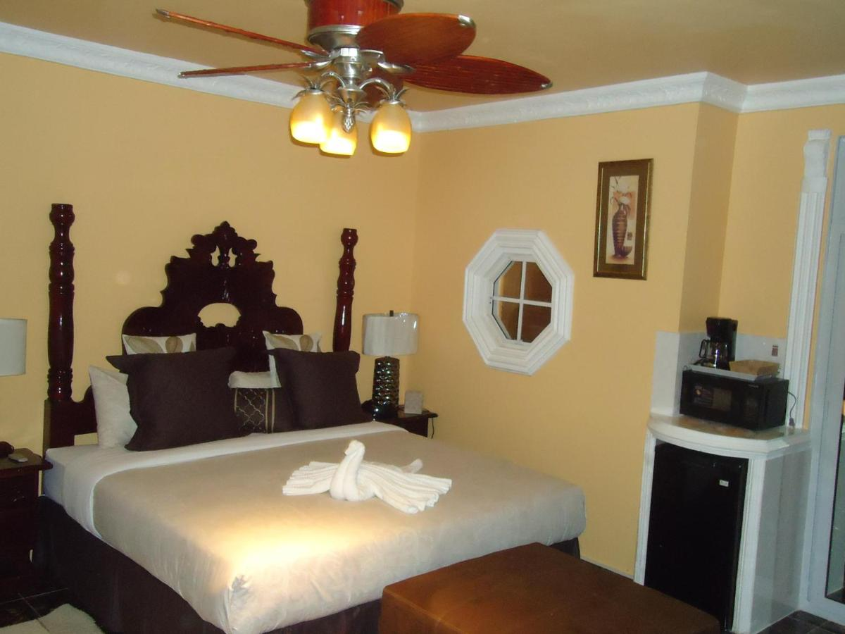 Bed And Breakfasts In Silver Sands Trelawny