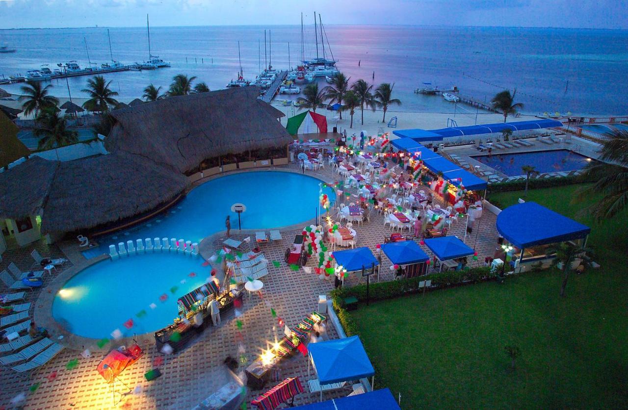 Aquamarina >> Aquamarina Beach Hotel Cancun Mexico Booking Com