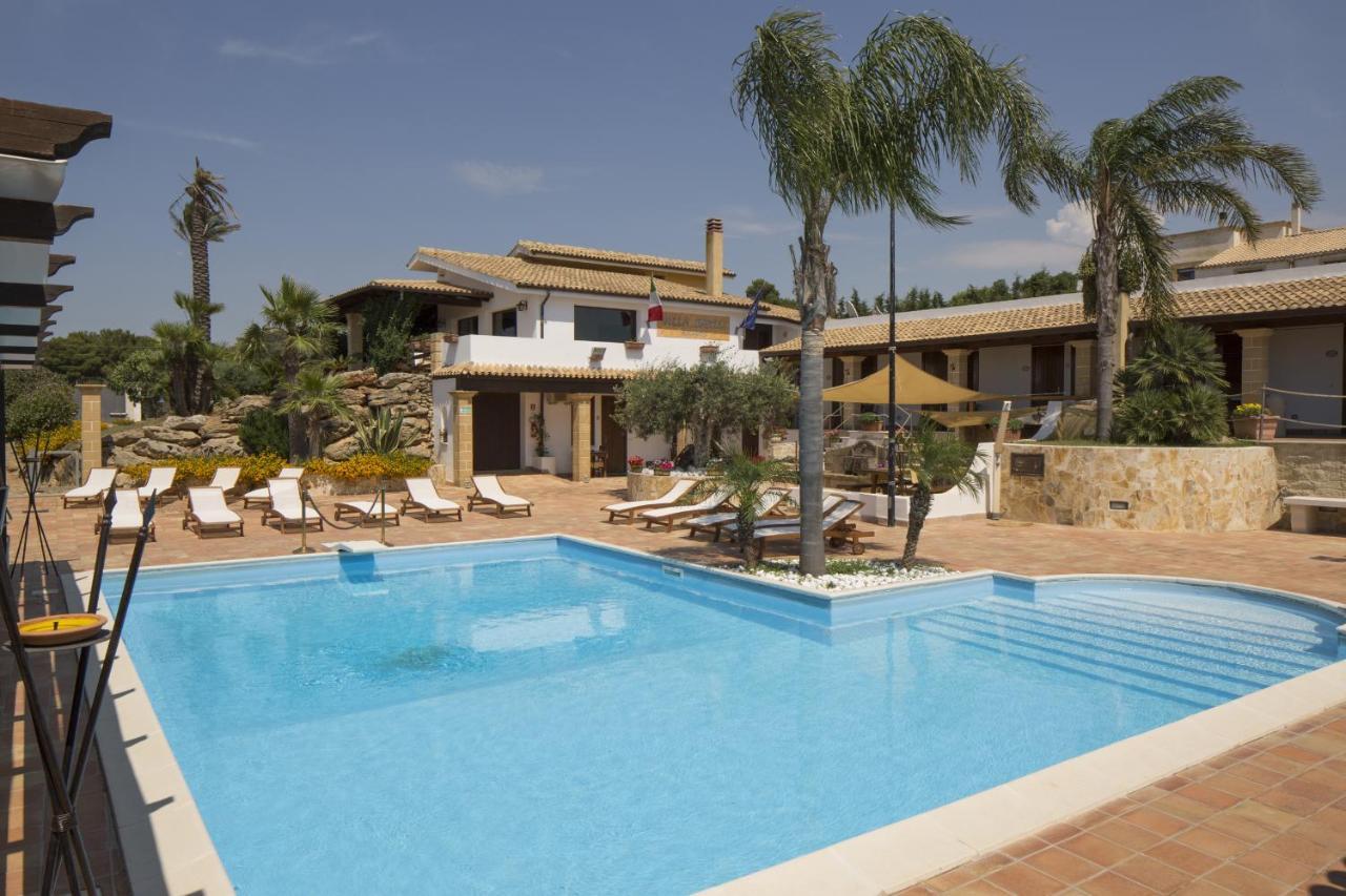Hotels In Ciavolo Sicily