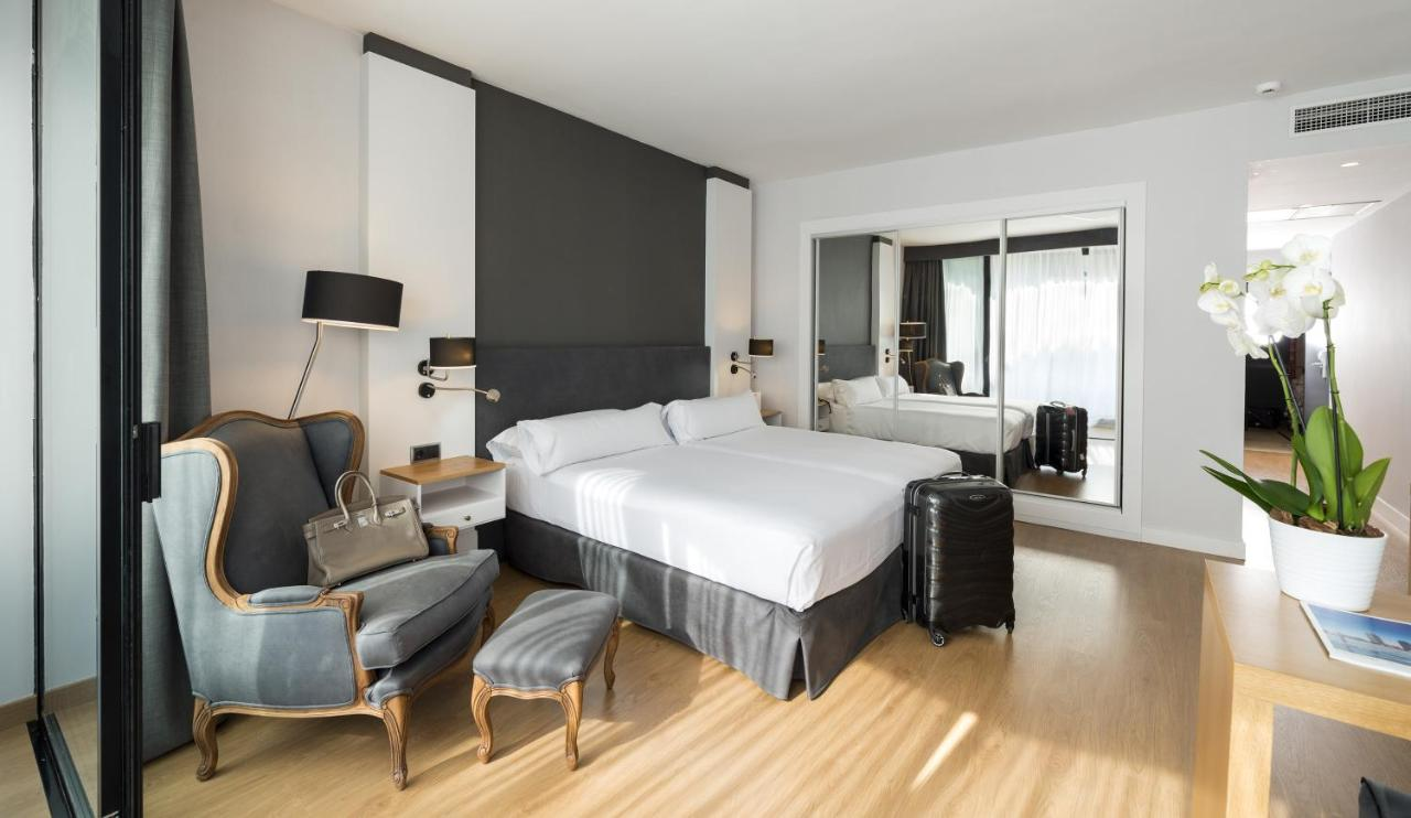 s jour au coeur de barcelone blan b. Black Bedroom Furniture Sets. Home Design Ideas
