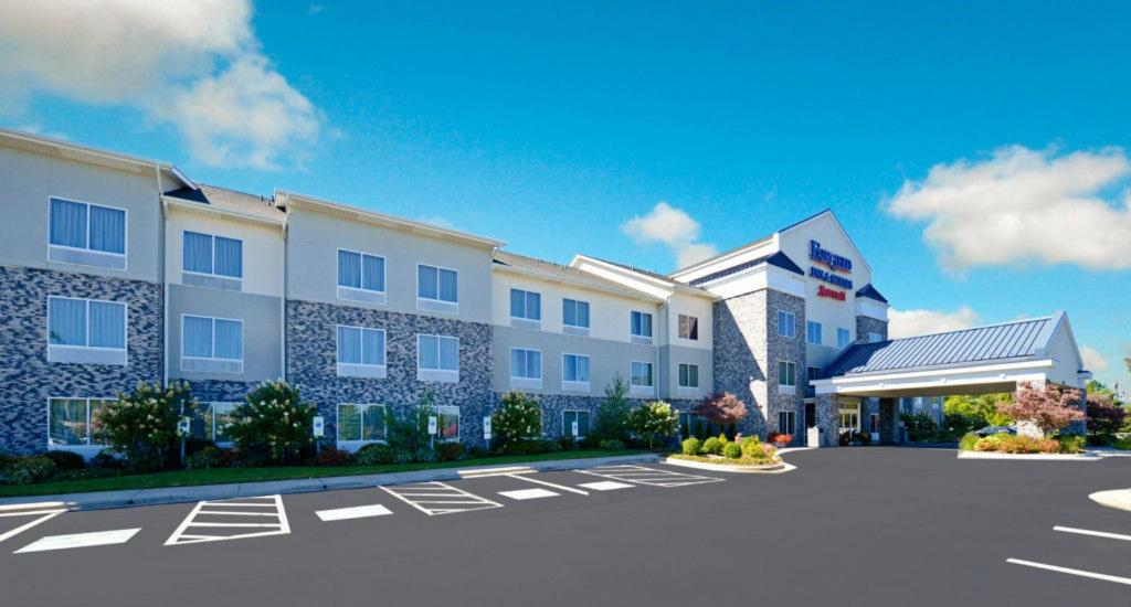 Hotels In Bamboo North Carolina