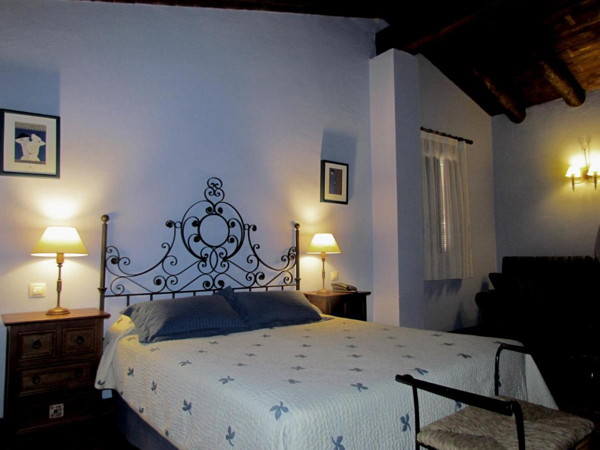 Hotels In Terriente Aragon