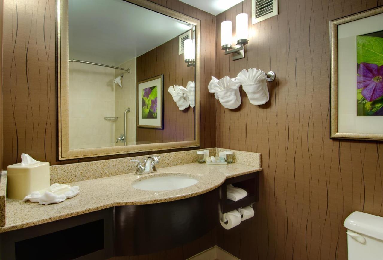 Hotel Hilton Garden Durham Airport, Morrisville, NC - Booking.com