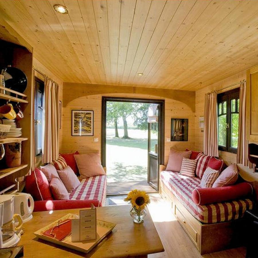 Beau Guesthouse Roulottes   Du Ternois, Saint Pol Sur Ternoise, France    Booking.com Grandes Images