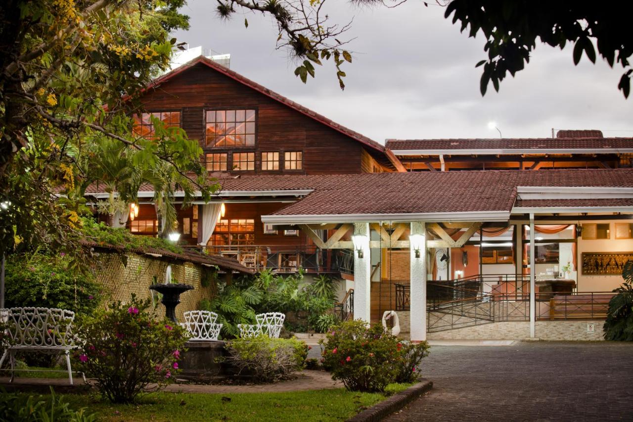 Hotels In Roble Alto Heredia