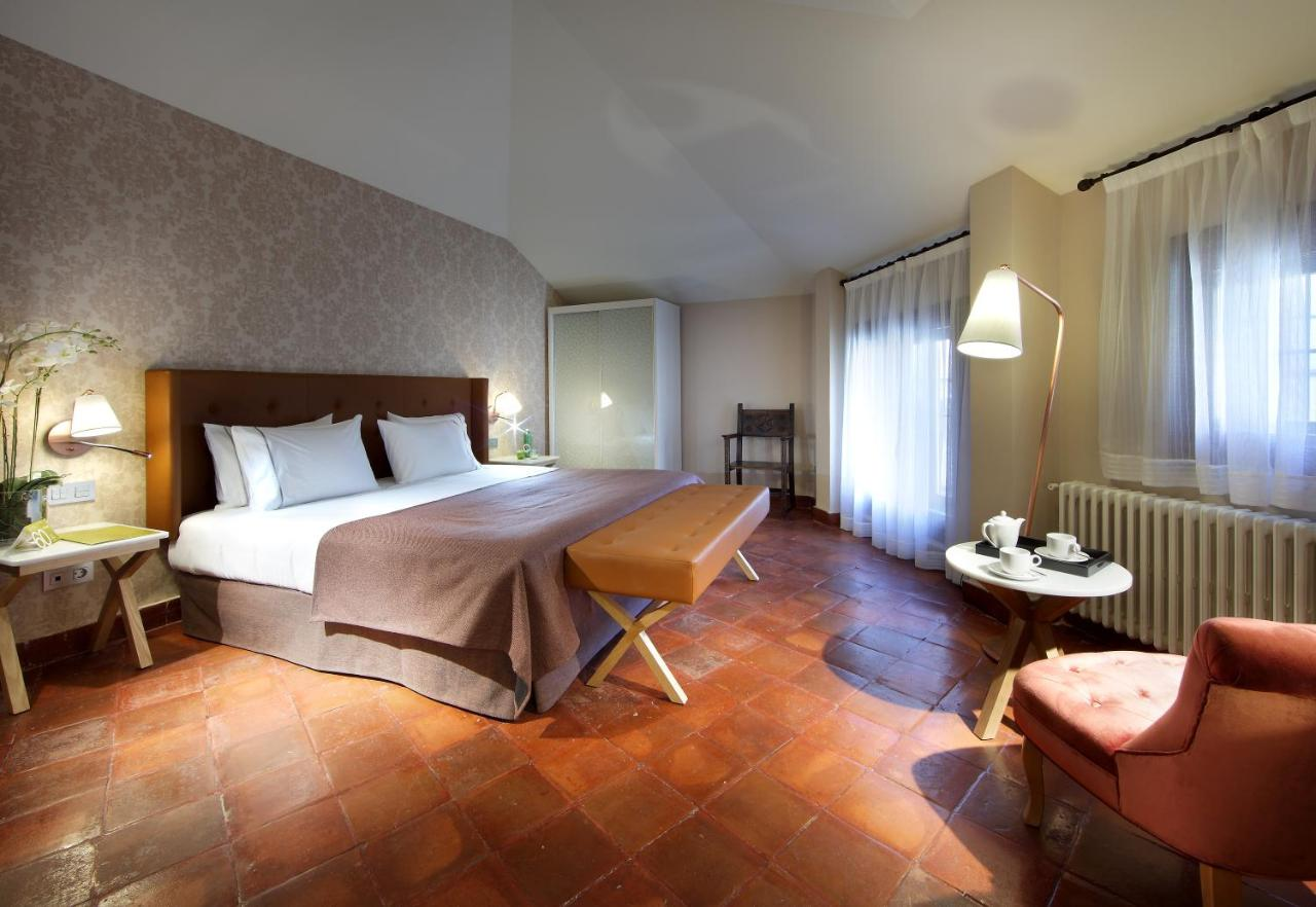 Hotels In Tizneros Castile And Leon
