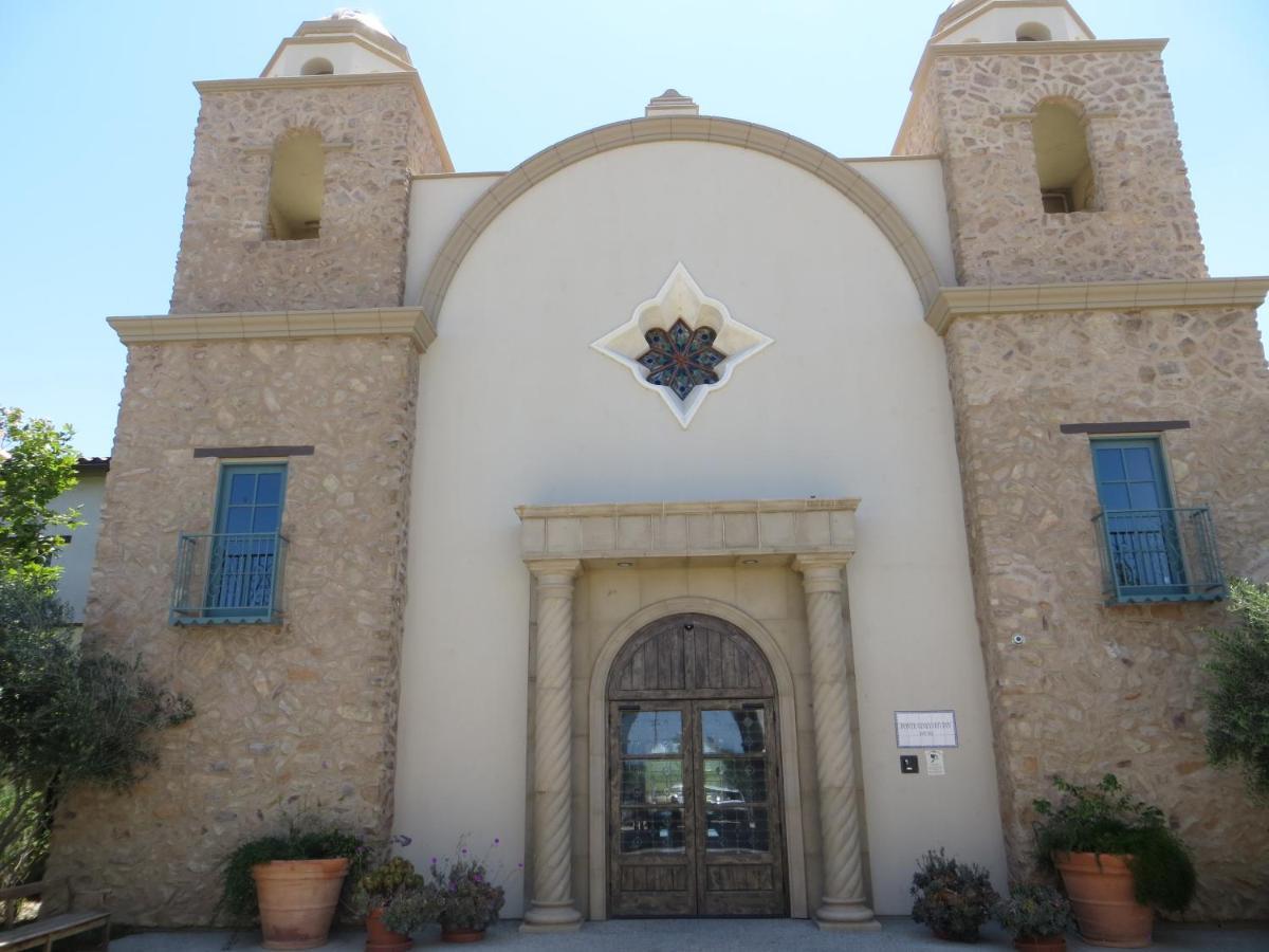 Hotels In Valle De Los Caballos California