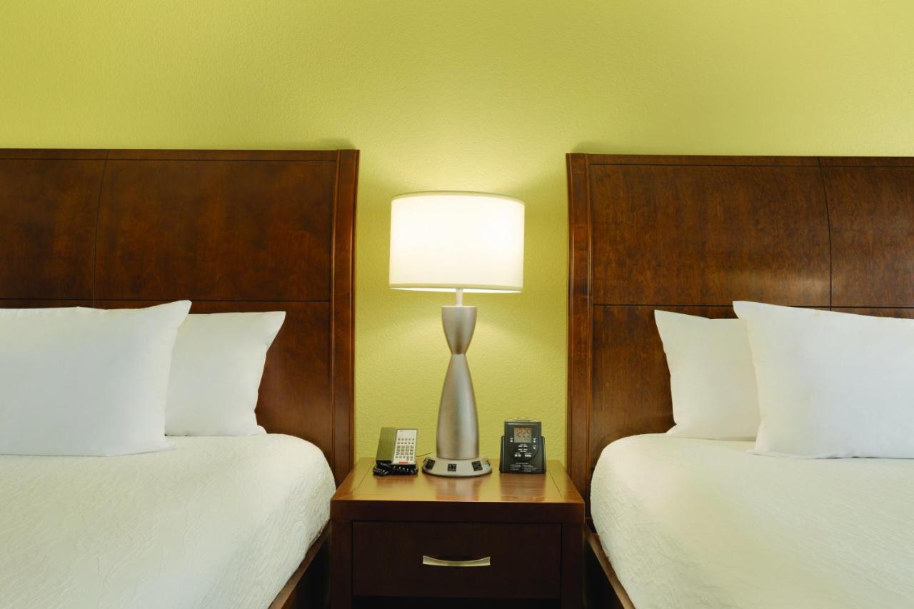 Hilton Garden Inn Anaheim, CA - Booking.com