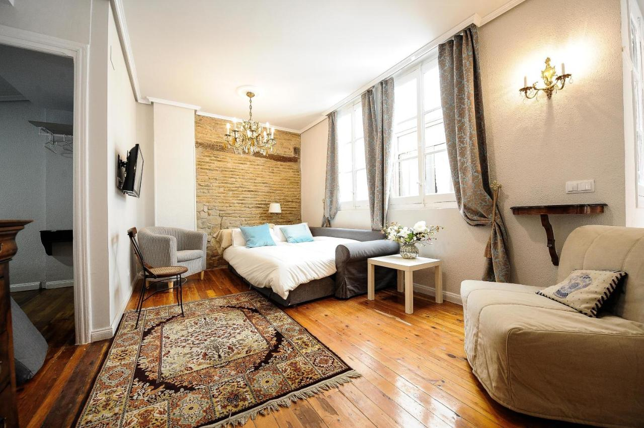 Apartment Plaza Castillo Pamplona Spain