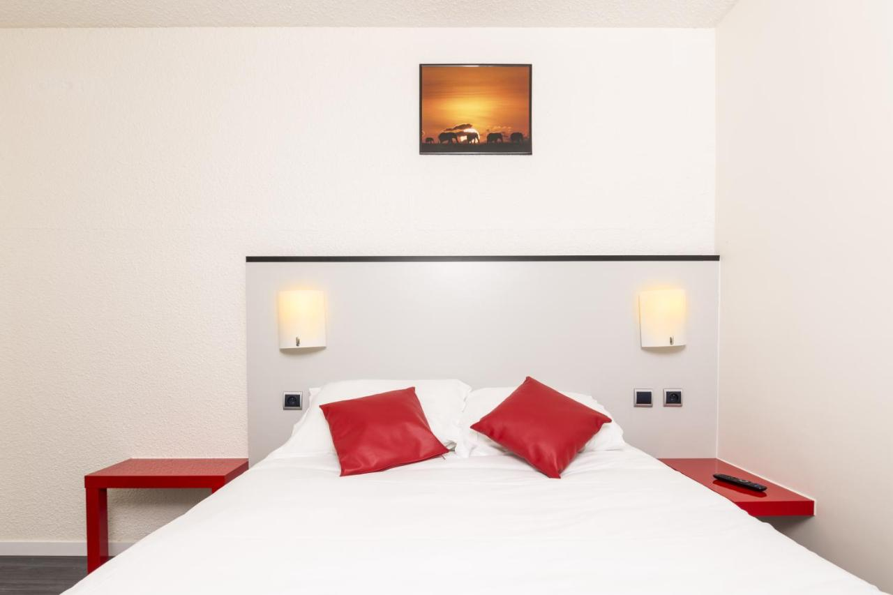 Hotels In Ribemont Picardy