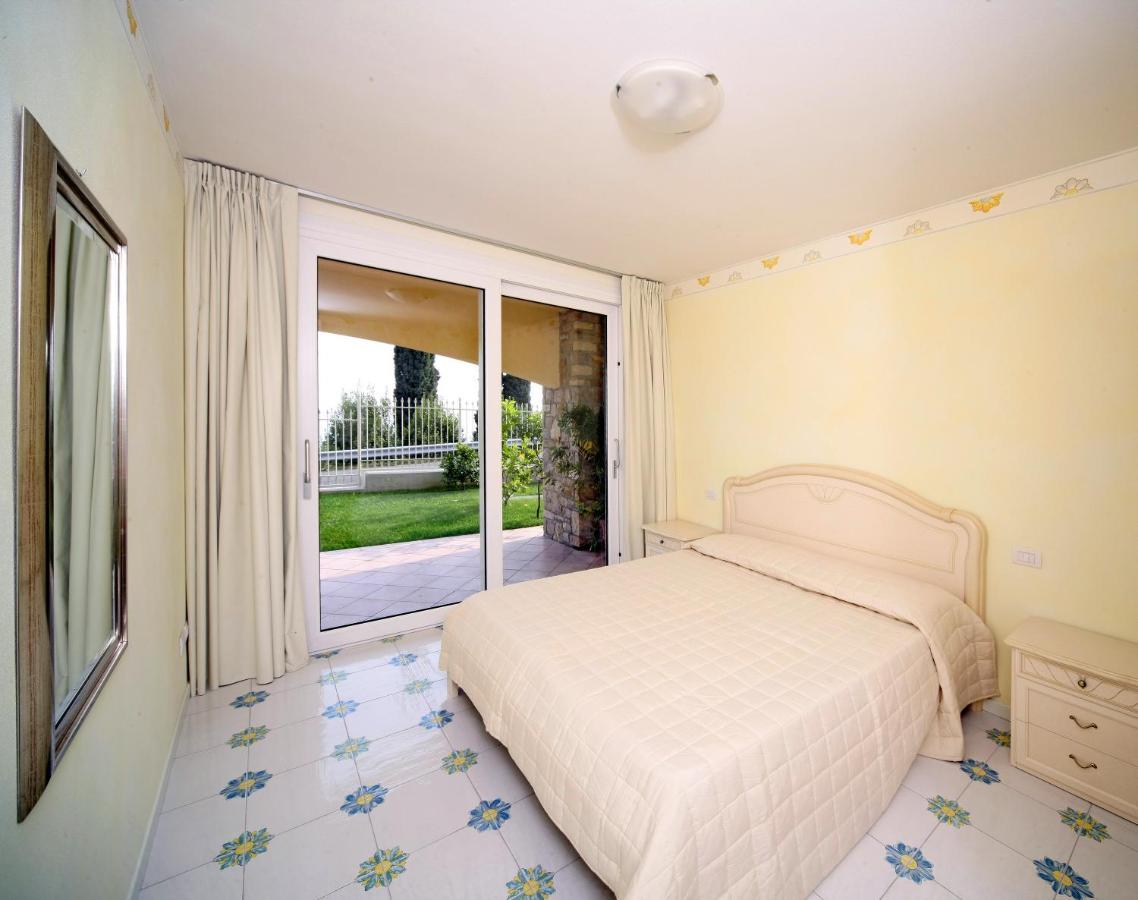 Aparthotel I Limoni del Rustichel (Italien Toscolano Maderno ...