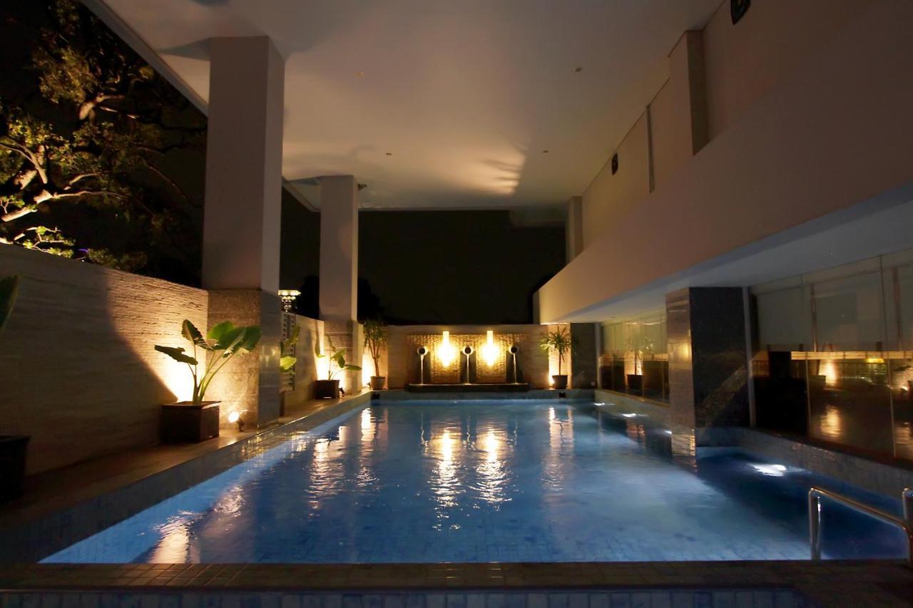 hotel santika premiere gubeng surabaya surabaya harga 2019 terbaru rh booking com Kolam Renang Di Bekasi