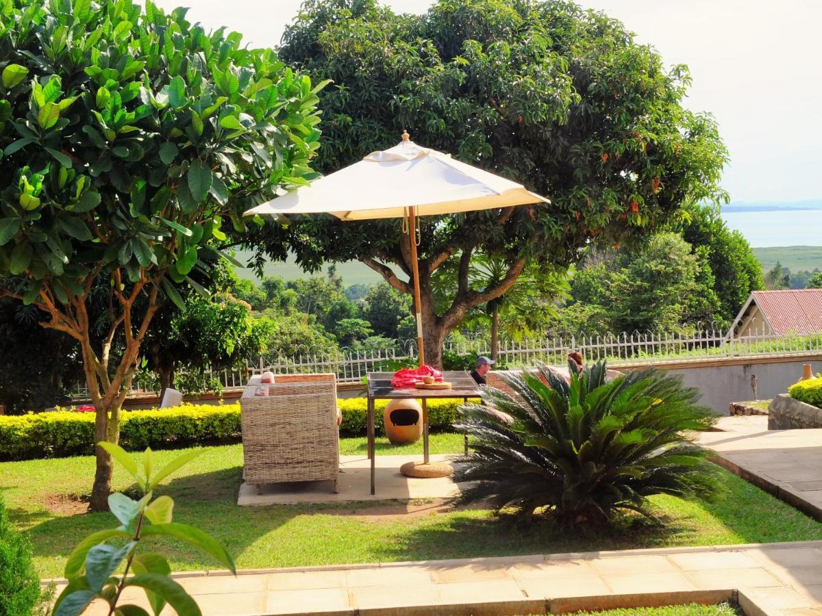 Carpe Diem Guesthouse, Entebbe – Updated 2018 Prices
