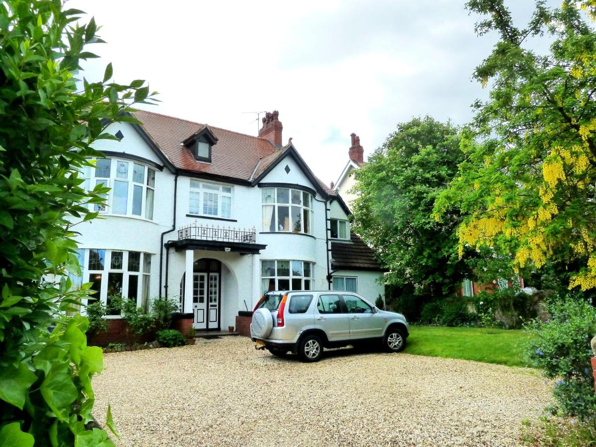 Bed And Breakfasts In Rhôs-on-sea Clwyd