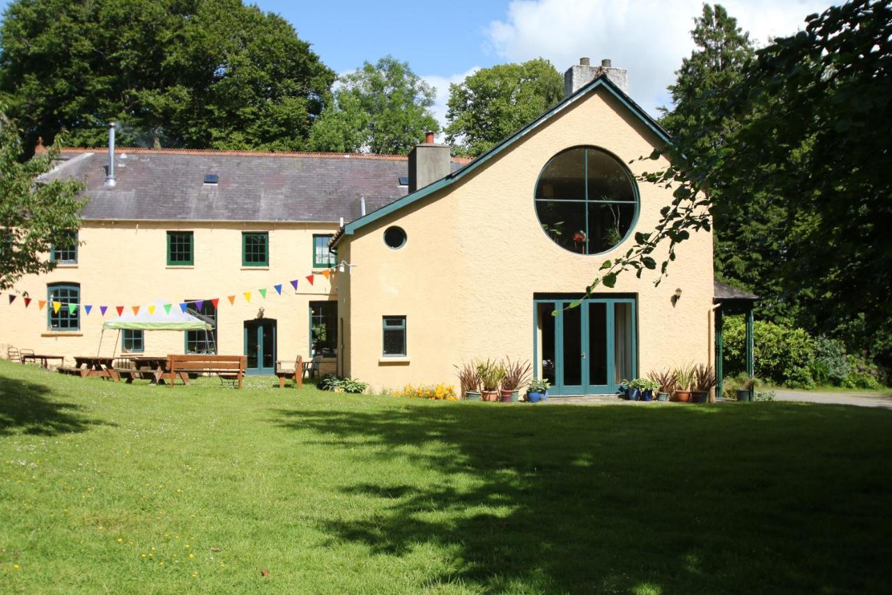 Guest Houses In Rhyd Lewis