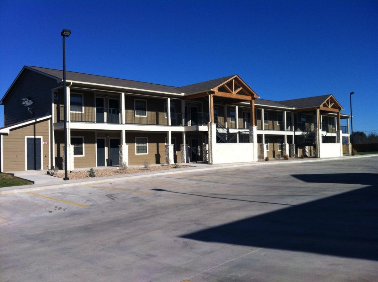 Hotels In Sand Springs Texas
