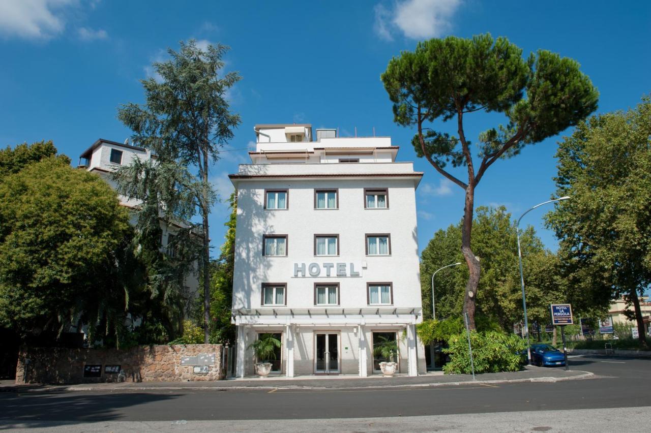 - Hotel La Pergola, Rome, Italy - Booking.com