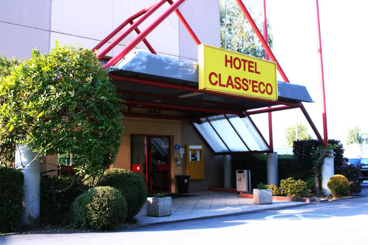 Hotels In Chenois Walloon Brabant