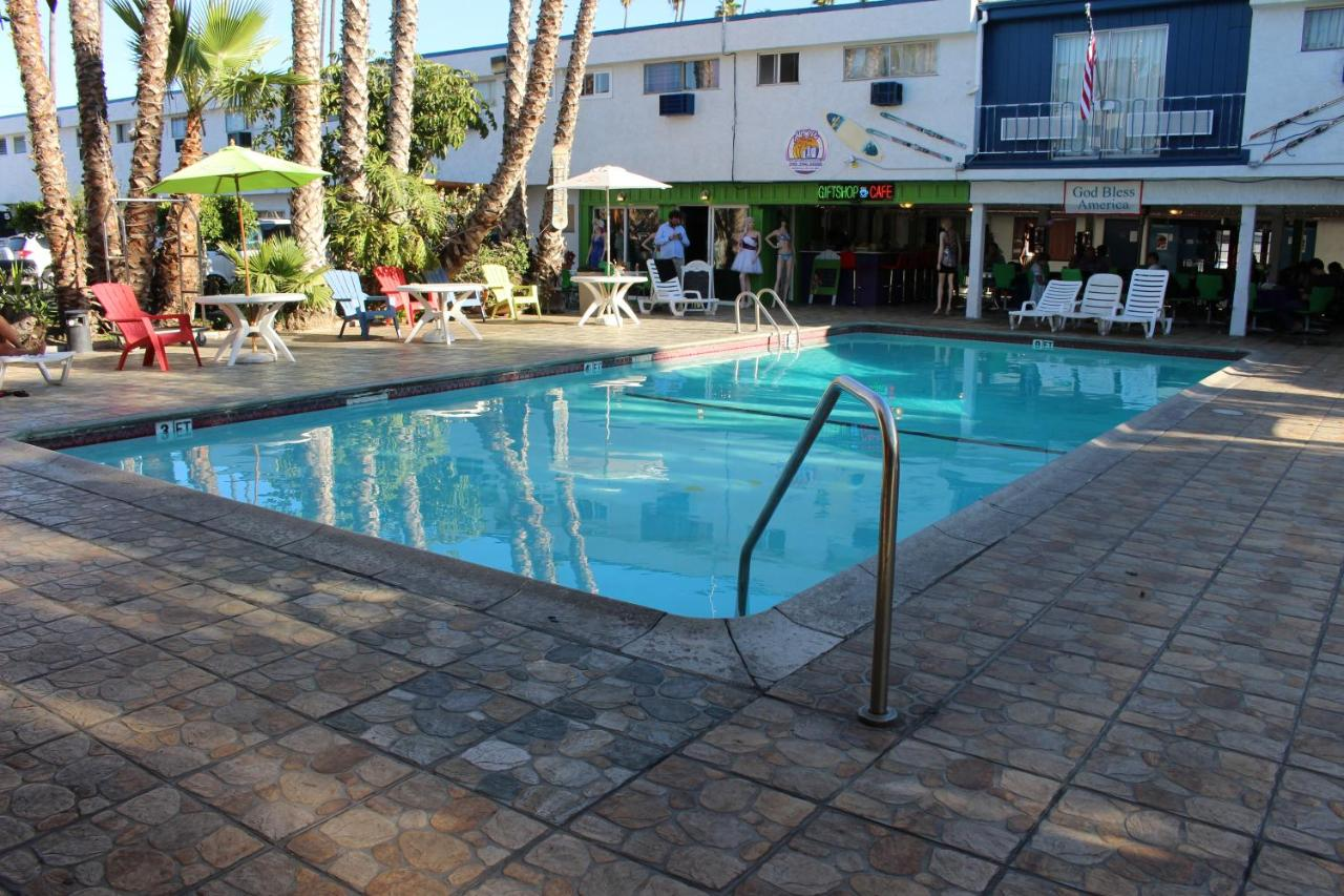 Hotels In West Athens California