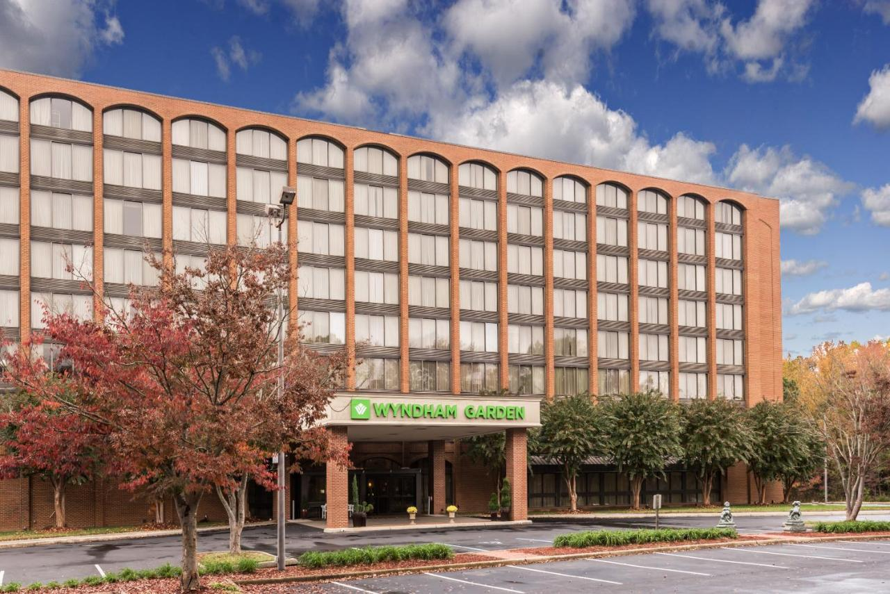 Wyndham Willamsburg, Williamsburg, VA - Booking.com